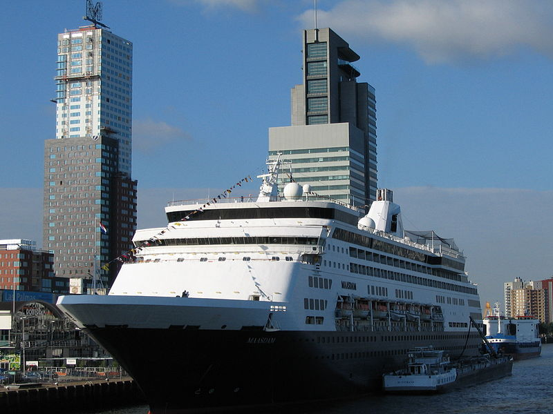 Holland America Line ms Maasdam/Julien Bertrand