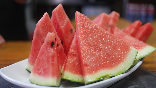 Salmonella outbreak tied to pre-cut fruit