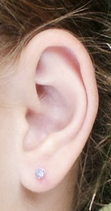 Public domain photo/Earpiercing via Wikimedia Commons