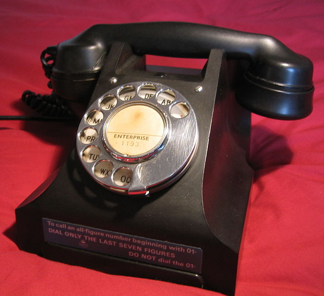656px-GPO_332_Director_Telephone