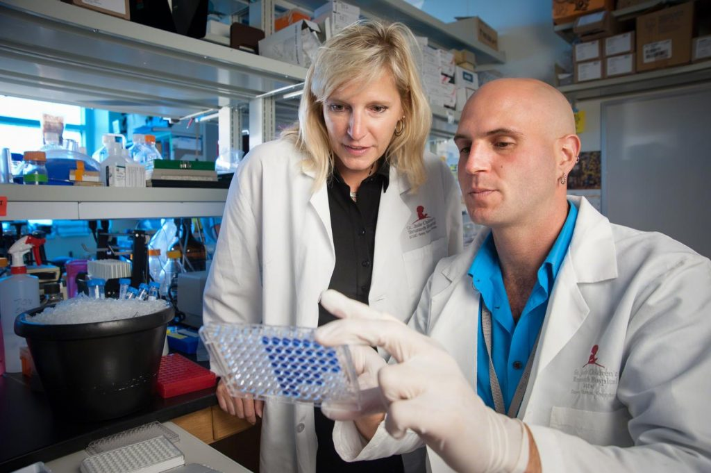 Stacey Schultz-Cherry, Ph.D., and Erik Karlsson, Ph.D., find adjuvant fails to bolster flu vaccine effectiveness in new study looking at obesity Image/St. Jude Children's Research Hospital