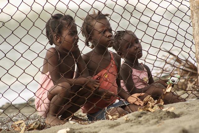 Haitian children Image/dghchocolatier via pixabay